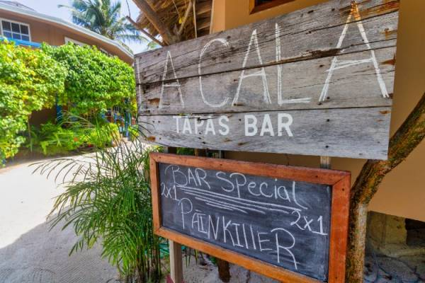 La Cala Sign and Drink Menu